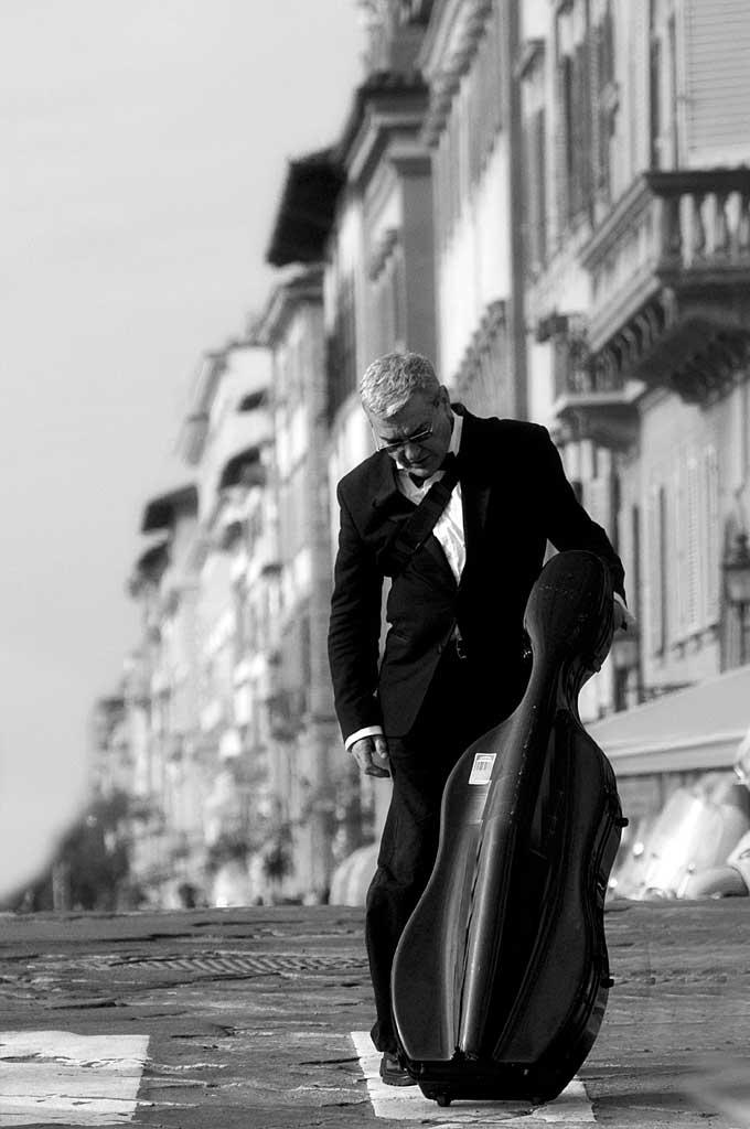 elena_bacchi_il_violoncello_fotografando_la_musica_2010_musicastrada