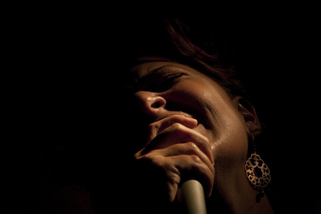 elisa_lovati_silvia_fotografando_la_musica_2010_musicastrada
