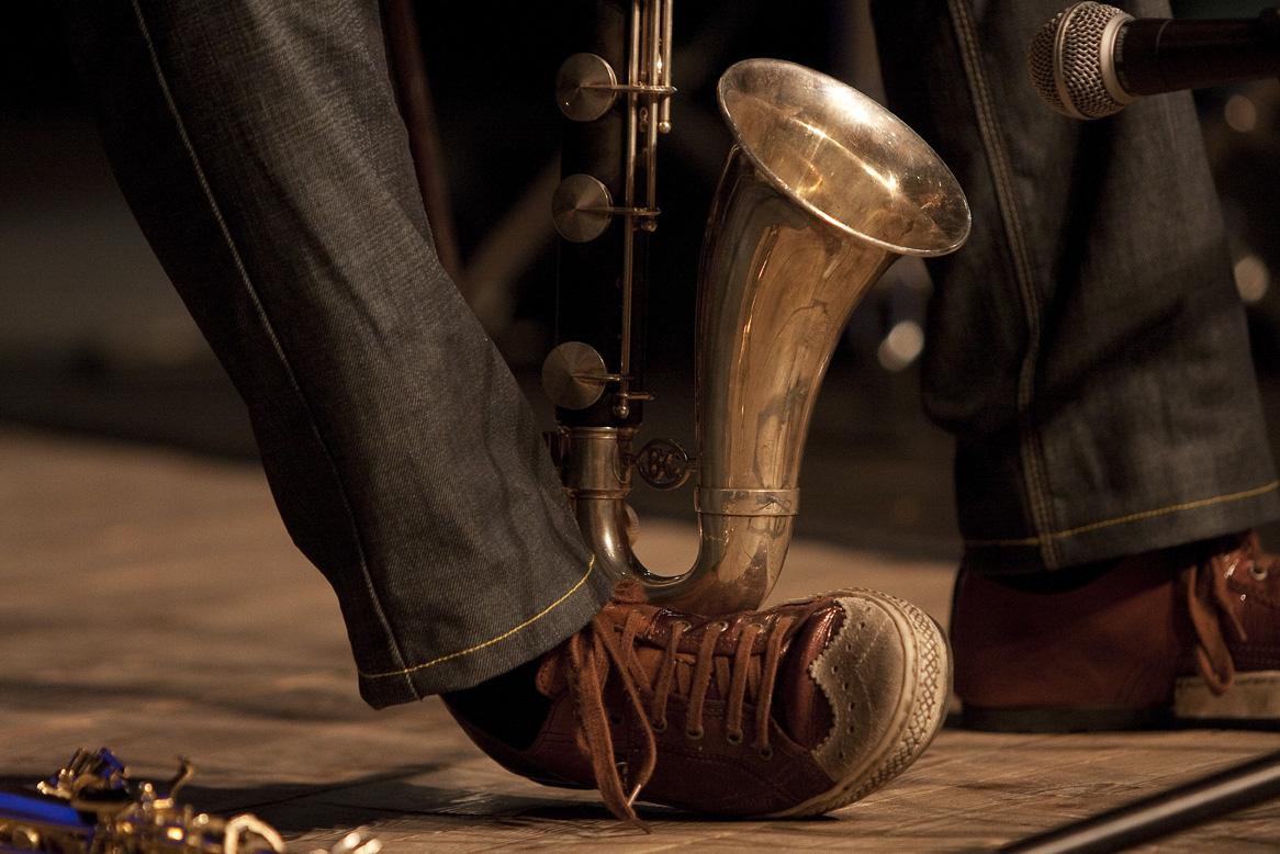 roberto_gernetti_clarinetto_basso_fotografando_la_musica_2010_musicastrada_secondo_premio_adulti