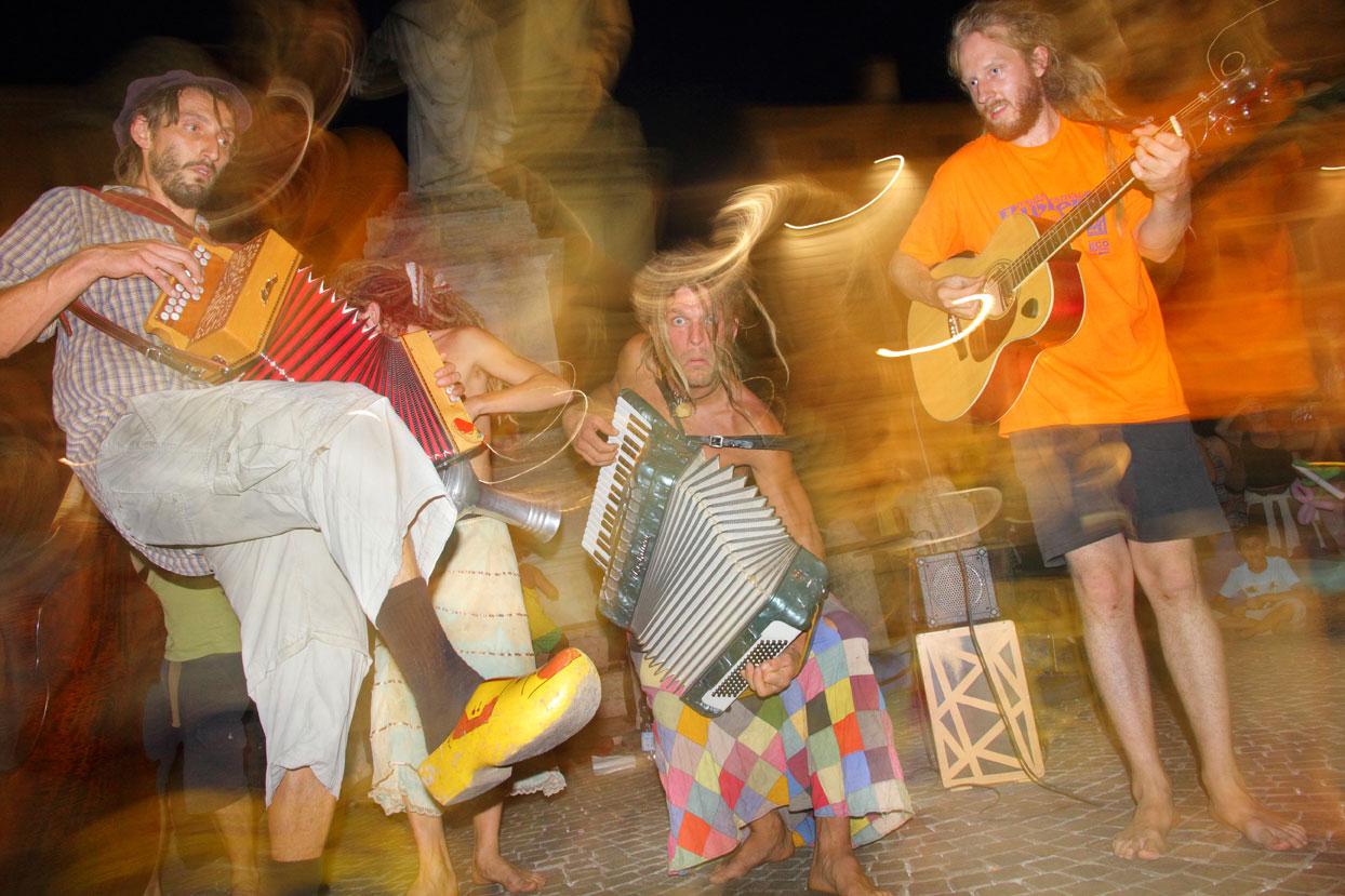 musicastrada_fotografando_la_musica_2011_Rubini_Franco_Ferrara_Buskers_Festival_lr