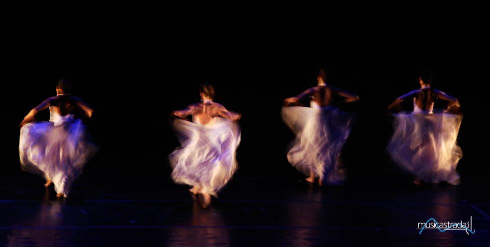 musicastrada_fotografando_la_musica_2011_cristina_fallini_danzandocomefiamme_lr