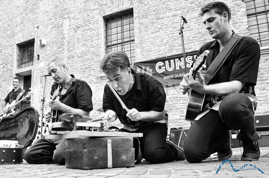 musicastrada_fotografando_la_musica_2011_roberto_fochi_gunshot_lr