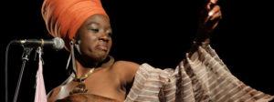 Dudu Manhenga dallo Zimbabwe una cantante impegnata per i diritti delle donne
