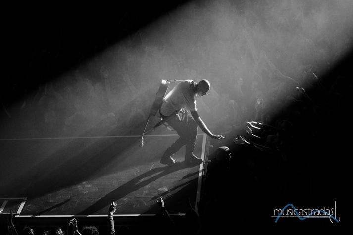 bernardo_baluganti_Musicografiequandoluceemusicaimmortalanounattimo_-musicastrada_fotografando_la_musica_2012