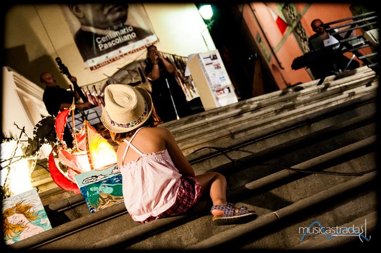 luca_passerotti_bambina_rapita_-musicastrada_fotografando_la_musica_2012