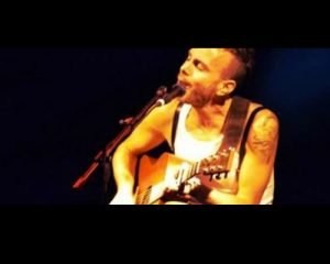 Quella voce da brividi Io c'ero Il concerto di Asaf Avidan al Circolo Arci Zona Roveri di Bologna